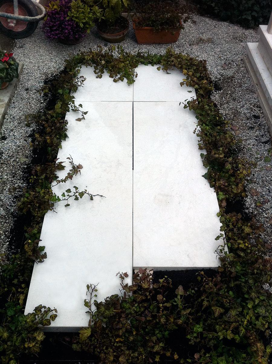 Tomba in pietra d'Istria