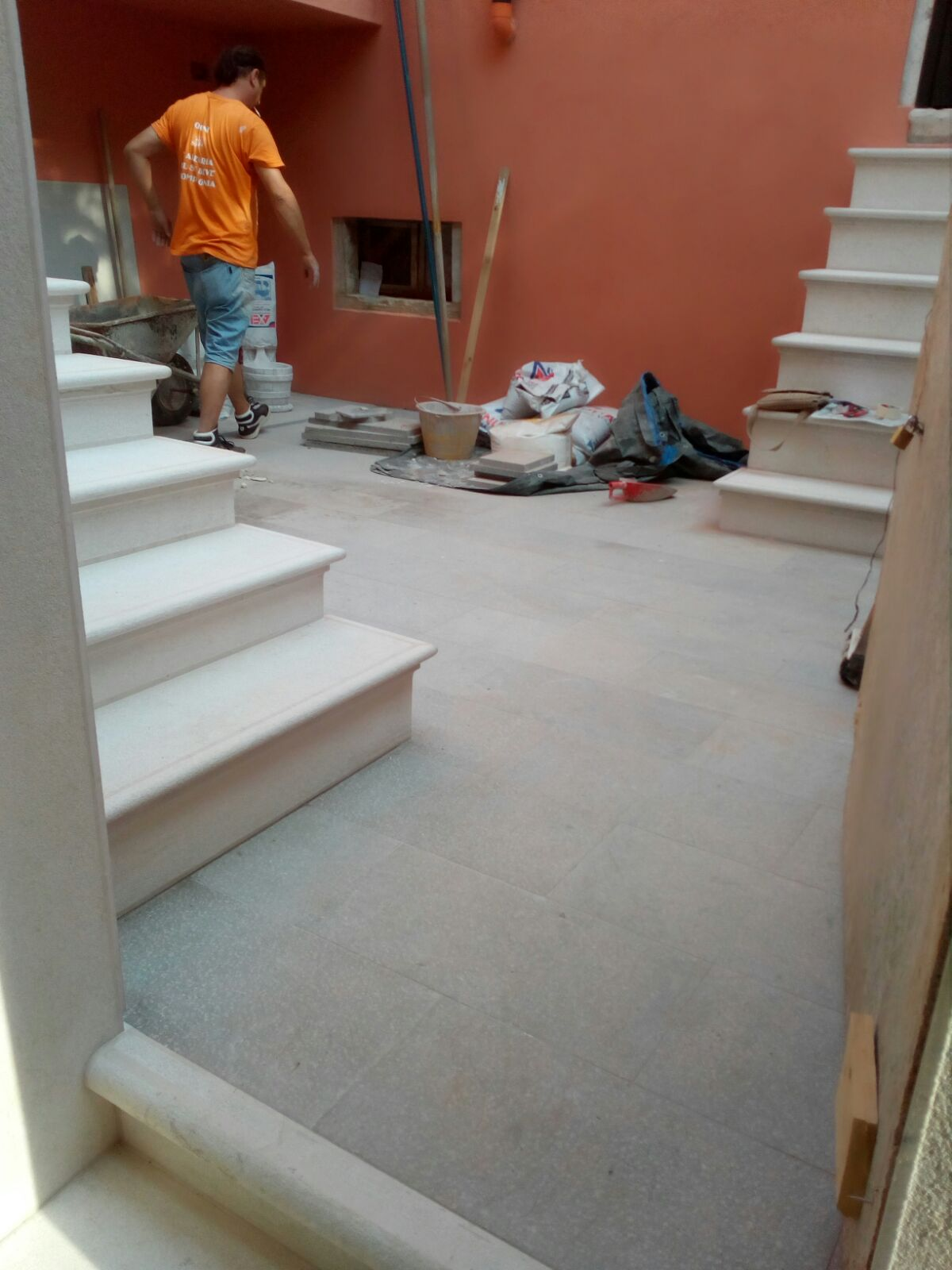 Trachite floor