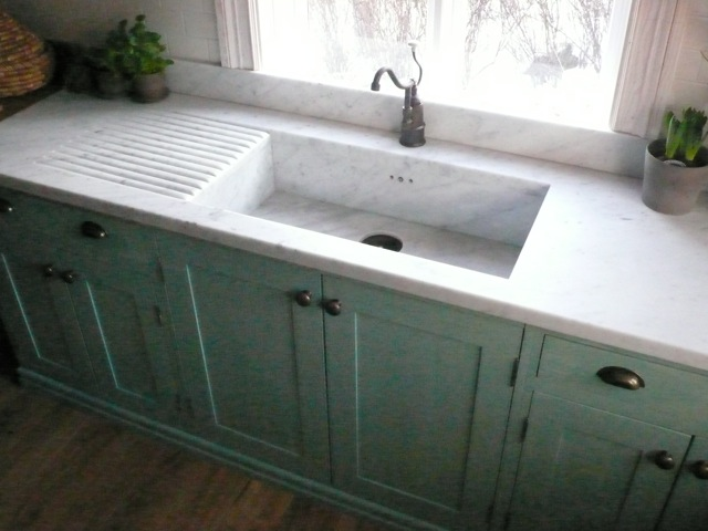 Counter with carrara marble